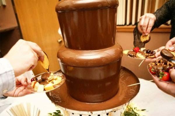 Wil je echt eens uitpakken? Doe dat met de allergrootste chocoladefontein van Nederland!