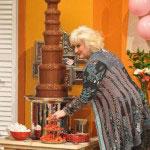 Tijdens de uitzending van KoffieMAX kreeg het publiek een overheerlijke aardbei met chocolade aangeboden door di Chocolo.