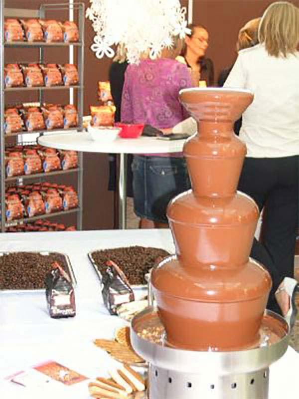 Heb je een productpresentatie of –lancering? De chocoladefontein geeft er een feestelijk tintje aan!